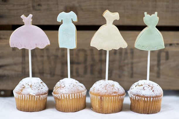Artisan Cakes, Cookies and Wedding Favours by Nila Holden