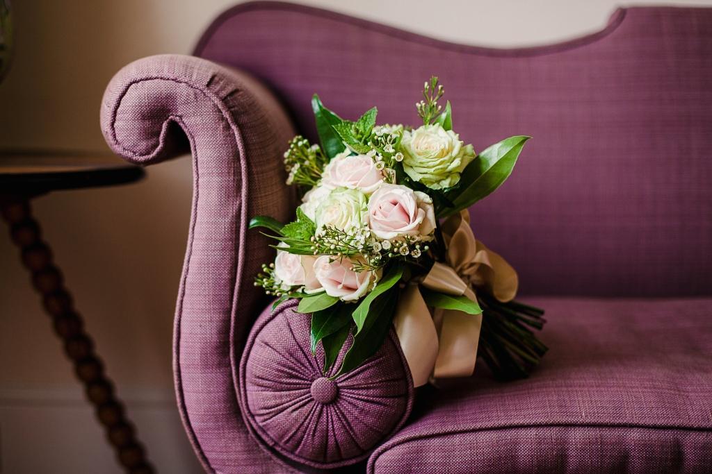 modern-vintage-bridal-boudoir-shoot-iscoyd-park-la-jolie-mariee-coco-wedding-venues-katrina-otter-weddings-jade-osborne-photography